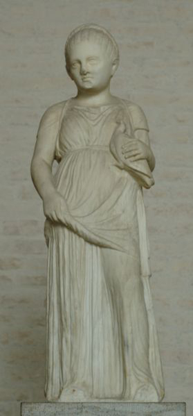 Unknown, Statue of a girl carrying a dove, c.310BC, Glyptothek, Munich. Wiki Commons.