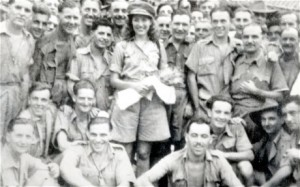 Vera Lynn with British troops in Burma, 1942 (Bill Lovelace) Image from http://www.telegraph.co.uk/