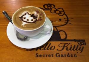 hello kitty cafe rose latte