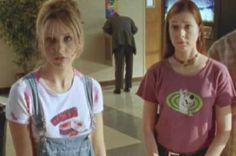 Sarah Michelle Gellar as Buffy Summers and Alyson Hannigan as Willow Rosenberg. Image from http://buffy.wikia.com.