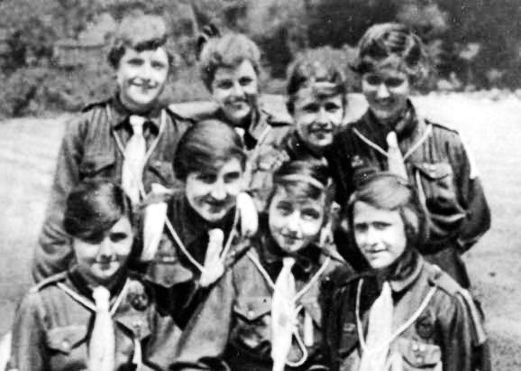 Girl Guides during WWI, via BBC.