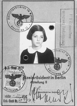 Gertrud Gerda Levy passport