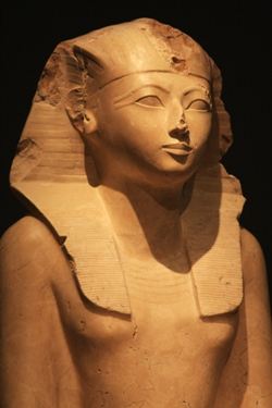 The Pharaoh Like No Other ~ Girl Museum