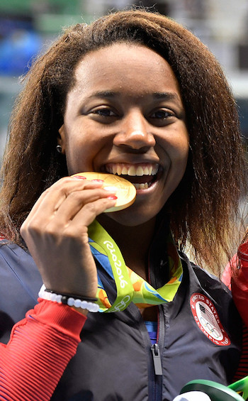 Simone Manuel with her Rio medal.
