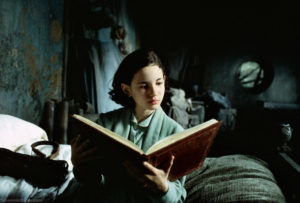 ofelia_reading_a_storybook