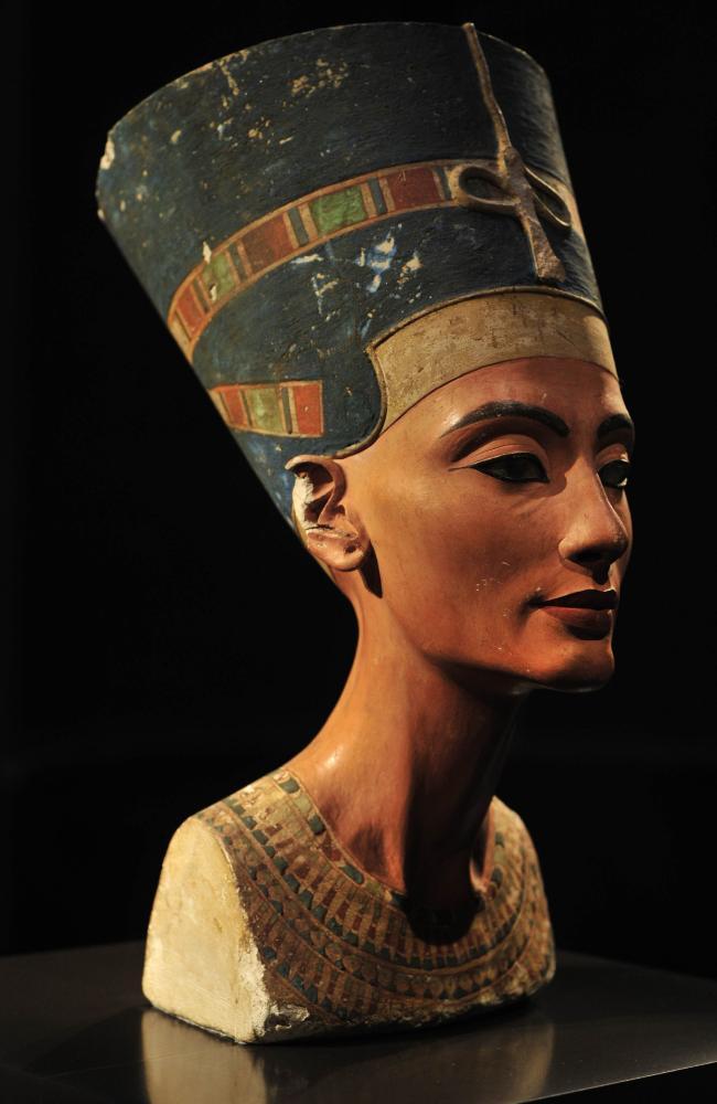 Nefertiti Shop. likes. Venta online de ropa y accesorios.