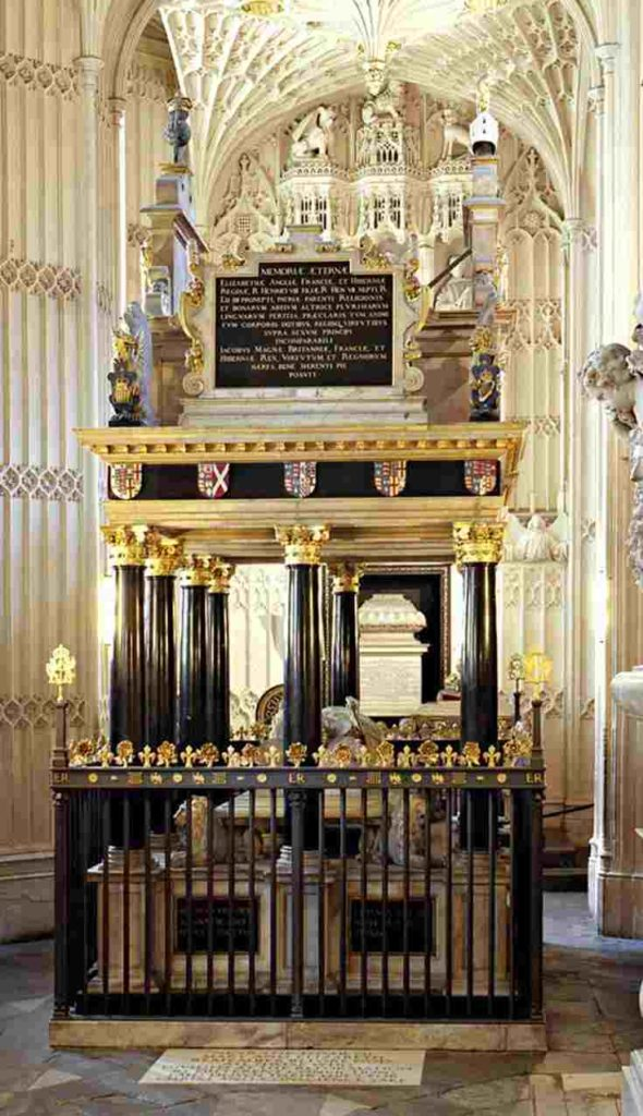 Gold and black tomb