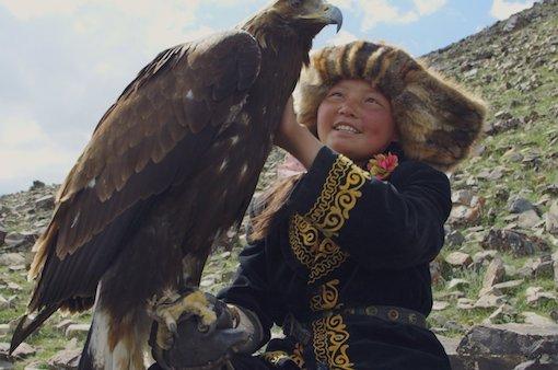 Aisholpan Nurgaiv with eagle