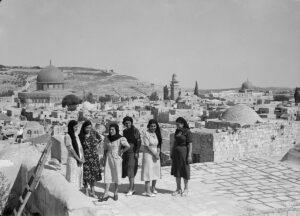 Patriotic Girls in Arab Nationalism